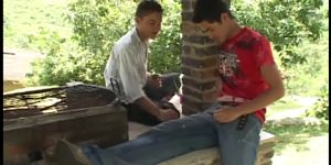 Latino Cumswapping Twinks Outdoor Threesome