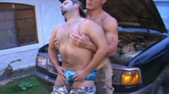 Beefy Gays Hard Pumping And Sucking Using Their Tools