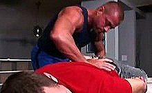 Manipulative Gay Masseuse Seduces Straighty