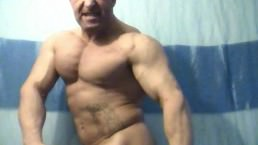 Huge, Massive - And Very Dirty Oigan Flexes For His Fans. Jockmenlive.com