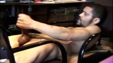 Horny Guy Fisting His Mister
